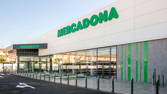 Tienda de Peligros (Granada), la primera en Andalucía con el nuevo modelo.
