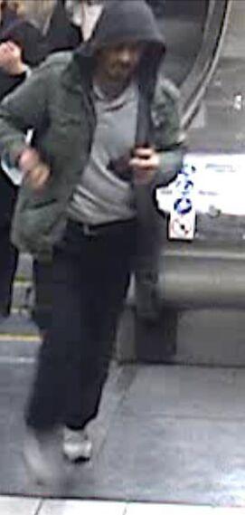 La policía que muestra a un hombre supuestamente ligado al atentado de Estocolmo.
