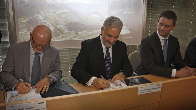 El nuevo presidente de Navantia, en la firma del acuerdo con Royal Caribbean.
