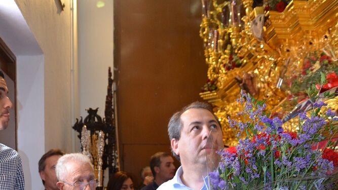 Rafa Verdú acompañó a técnicos, jugadores e integranres de Afición Xerecista a la parroquia de San Benito.