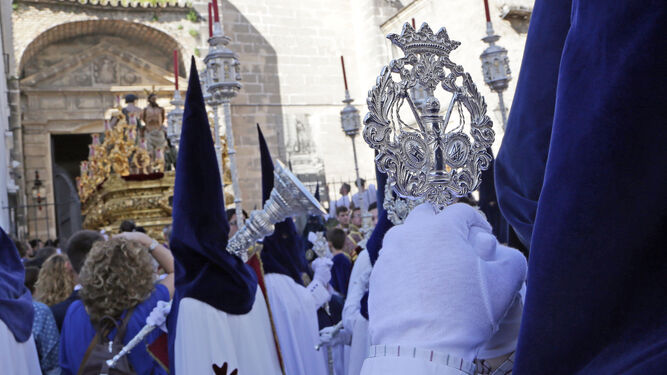 El impresionante misterio de La Flagelación, a punto de atravesar la verja de Los Descalzos y posarse en Medina.