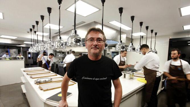 El chef Andoni Luis Aduriz posa en su restaurante Mugaritz recién llegado de Melbourne.