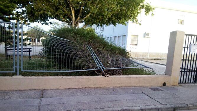 Estado en el que quedó la valla en el Arana Beato