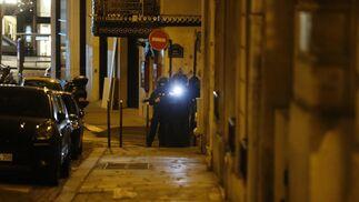 Los Campos Elíseos tras el tiroteo, en imágenes