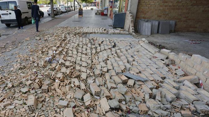 Uno de los árboles caídos en la zona de las Delicias.