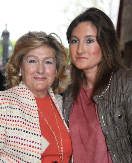 La ganadera Mary Paz Astorga, de Fuente Ymbro, y su hija Mary Paz Gallardo.