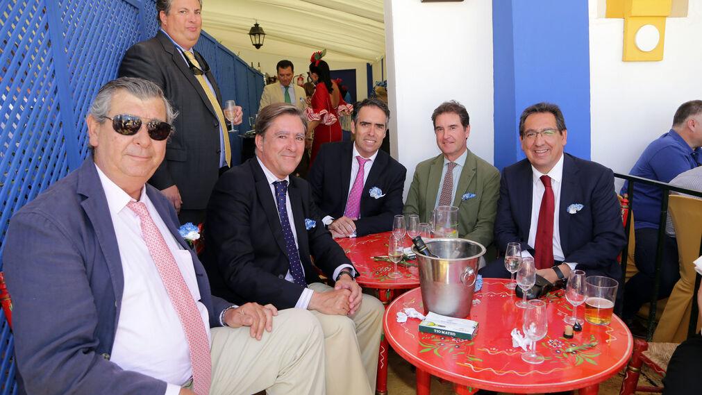 José Mª Guerrero Pemán, Alfonso Domecq, Manuel Estrella, presidente de la Audiencia, Rafael Navas, Manuel Maestre y Antonio Pulido, presidente de la Fundación Cajasol.
