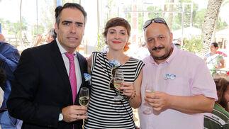 Rafael Navas, con los concejales de IU Ana Fernández de Cosa y Raúl Ruiz-Berdejo.