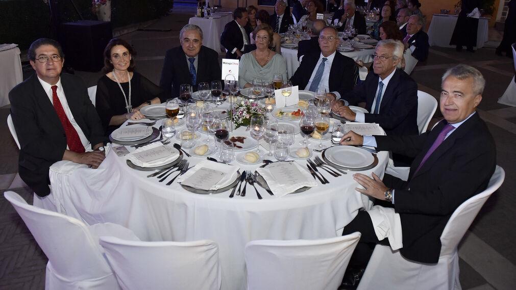 José Joaquín Gallardo, Concha Velasco, Rafael Valencia, María Antonio Prado, José Luis García, Fernando Ibáñez y Pablo Gutiérrez-Alviz.