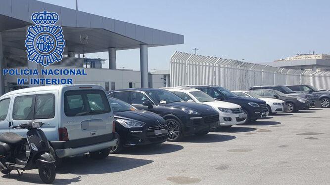 Algunos de los coches que fueron recuperados en los puertos de Algeciras y Tarifa cuando iban a embarcar hacia África.