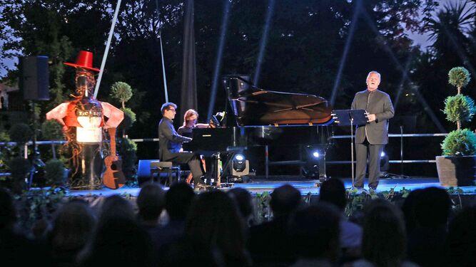 Un momento de la actuación el pasado jueves por la noche de Gregory Kunde en los Jardines de Villa Victorina.