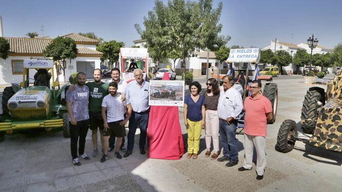 Imagen de la presentación realizada ayer en la plaza del Ayuntamiento de Guadalcacín.