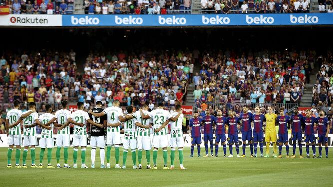 Una imagen del minuto de silencio en el Camp Nou.