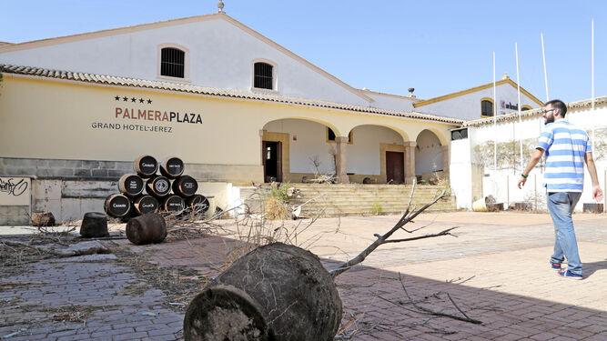 Una imagen del expolio del Palmera Plaza.