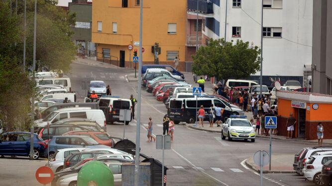 Un joven fallece apuñalado en una reyerta entre familias en Algeciras