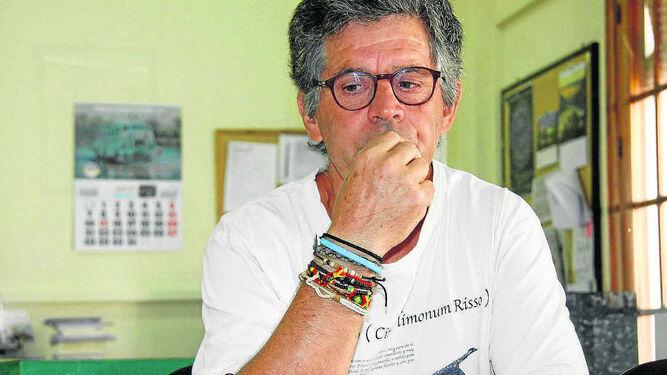 Juan Clavero, ayer en la Delegación de Diario de Cádiz en El Puerto, durante la entrevista.