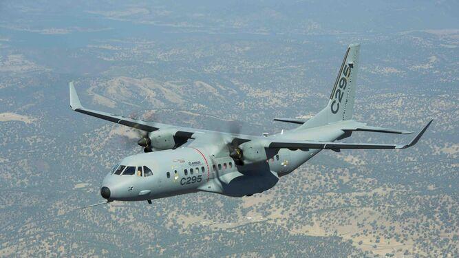 El avión militar C295 en pleno vuelo, en una imagen de archivo.