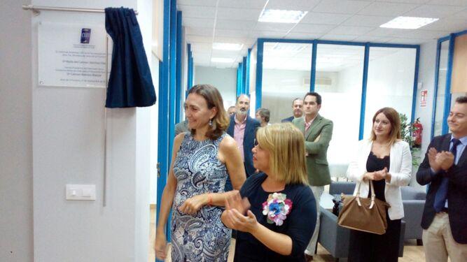 Mamen Sánchez descubre la placa conmemorativa de la apertura del CEEI