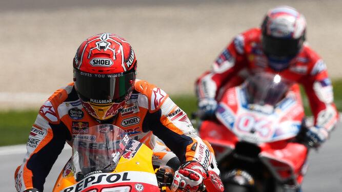 Márquez a desempatar y Valentino Rossi de test