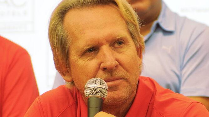 Schuster apuesta por PanamáEscolta de garantías para un trienioUn campeón con muletasFaltan siete años, pero pasarán volando