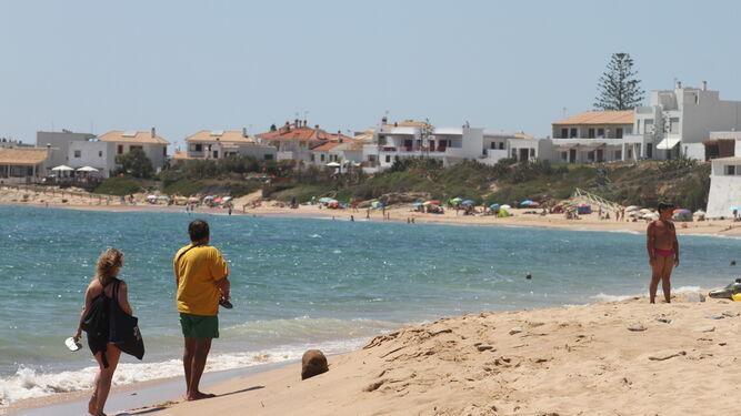 Una vista parcial del litoral de los Caños de Meca, en el término municipal de Barbate.