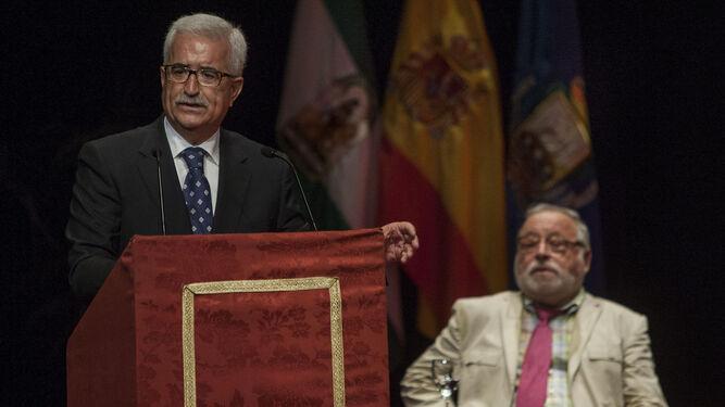 Manuel Jiménez Barrios, vicepresidente de la Junta de Andalucía, ayer durante su intervención en San Fernando.