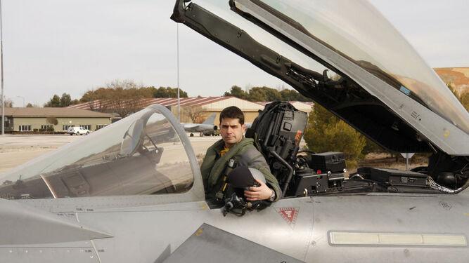 El capitán del Ejército del Aire Borja Aybar, que falleció ayer al estrellarse su Eurofighter.