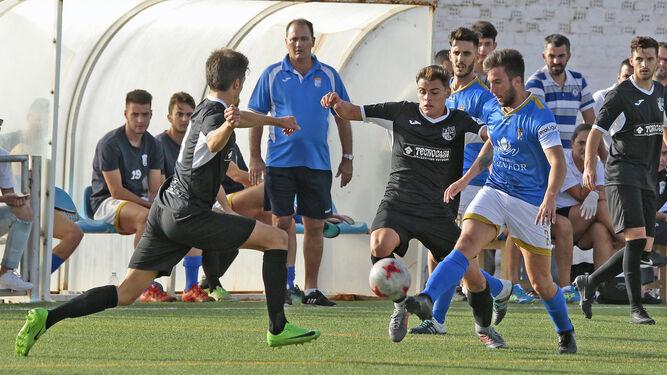 Gonzalo se ha afianzado en el lateral derecho azulino desde que llegó al equipo hace tres jornadas y repitió titularidad.