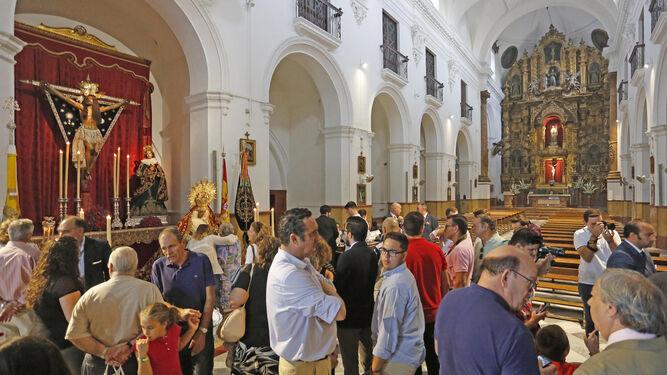 Nuestra Señora del Valle Coronada congregó a muchos devotos.