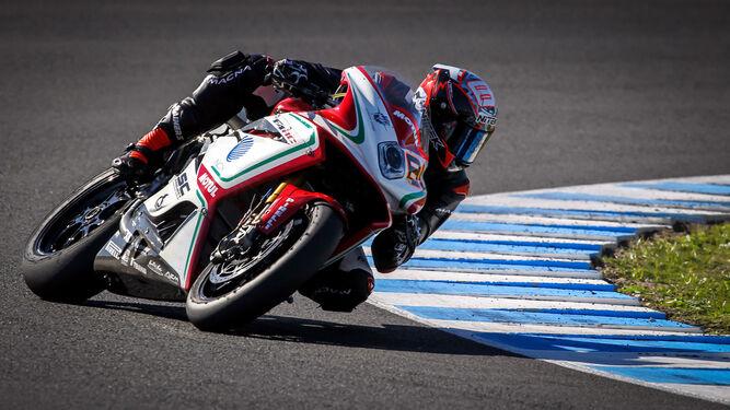 Jordi Torres se estrenó a lomos de la 1000 F4 del MV Agusta Reparto Corse.