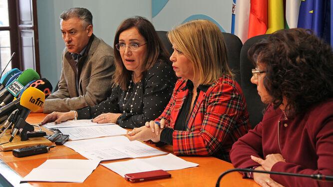 Federico Fernández, Catalina Madueño, Mamen Sánchez y Carmen Collado, ayer, durante el anuncio de las obras en el Ayuntamiento.