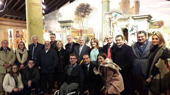 Muñoz y Sanz también acompañaron a Dastis y otros cargos del PP en su visita al Museo del Belén.
