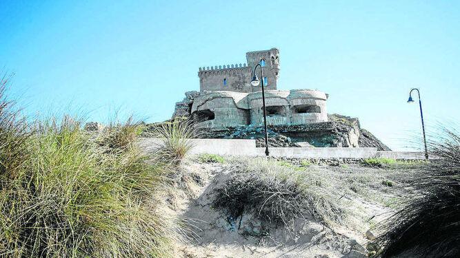 Conjunto de búnqueres nido junto al castillo de Santa Catalina, en Tarifa.
