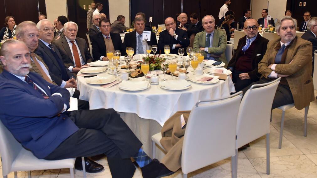 Leonardo Rodríguez de la Borbolla, Alfonso Barón, Alfonso Pérez de los Santos, Francisco Ballester, Juan Álvarez, Pedro Álvarez, Luis Miguel Martín Rubio, José Manuel Gómez-Angulo, Manuel Marchena y Luis Sánchez-Moliní.