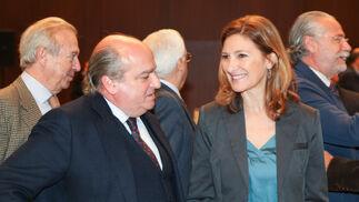 El abogado Luis Miguel Martín Rubio y Alicia Martínez, diputada del PP en el Parlamento andaluz.