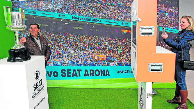 Un gran número de asistentes se dieron cita y participaron en los diferentes sorteos y actividades que organizó el Grupo Terry Automoción en la ciudad de Jerez.