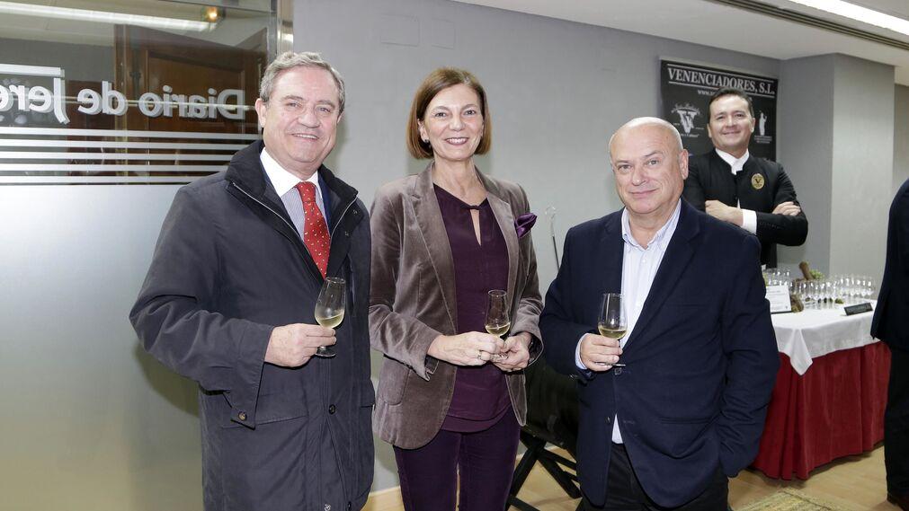 Juan Salido, Carla Puerto y Bernardo Palomo.
