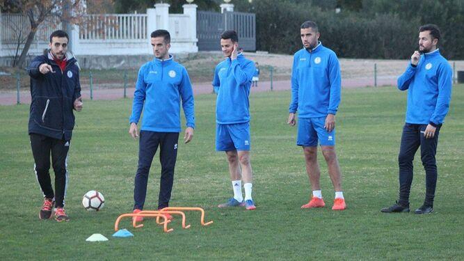 Bello, Pablo Bonomo, Adrián Martín y Álex Expósito han estado entrenando aparte; los delanteros entran en la lista pero los centrocampistas no.