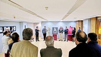 Momento de la presentación de la revista cofrade en la sala 'ArteaDiario'.
