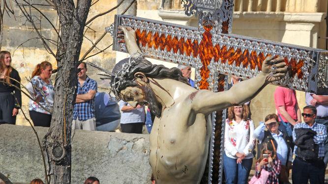 El Santísimo Cristo de la Salud de las Tres Caídas y su paso fueron los grandes estrenos de esta Semana Santa.