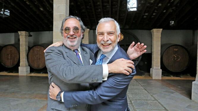 Gabriel González, vicecónsul en Jerez, y Sfefano Sannino, embajador de Italia en España, esta mañana durante la visita.