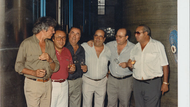 El compositor Manuel Alejandro, Paco Cepero, Paco del Restaurante Paco de Madrid, Faustino del Bar Juanito y Antonio García.
