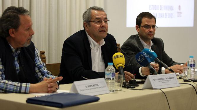 Pepe Reyes, Francisco Domouso y Raúl Flores, en la presentación del estudio.
