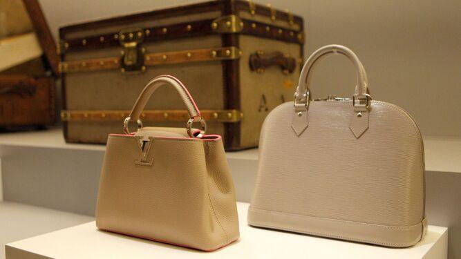 Los bolsos, una de sus creaciones más emblemáticas.