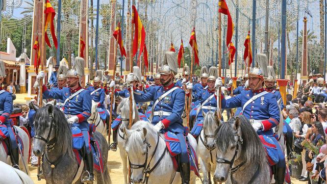 Imagen del desfile ayer de la Guardia Real.