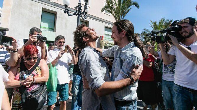 González con Iglesias, en una visita del líder de Podemos a Cádiz.