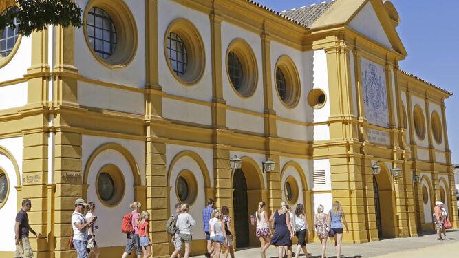 La junta meditar abrir una oficina de turismo en la real for Oficina turismo jerez