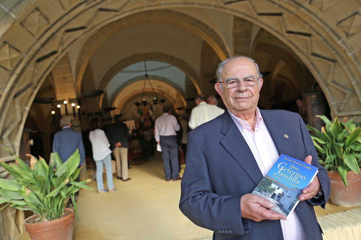El escritor Antonio Mariscal Trujillo presenta en Díez Mérito su ...
