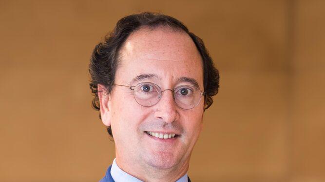 f5eb2c6ed0 Dr. Benítez del Castillo: oftalmólogo, catedrático y jerezano