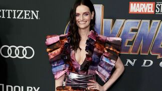 "<p class=""BS_tbl-tx1"" ng-if=""relationItem.title"">Lydia Hearst</p><br> <p class=""BS_tbl-tx2""></p><br> <p class=""BS_tbl-tx2""></p><br>"